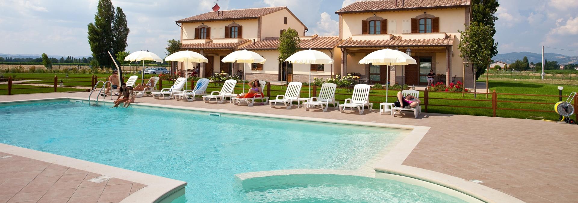 Agriturismo assisi con piscina vakantie assisi - Agriturismo con piscina in umbria ...
