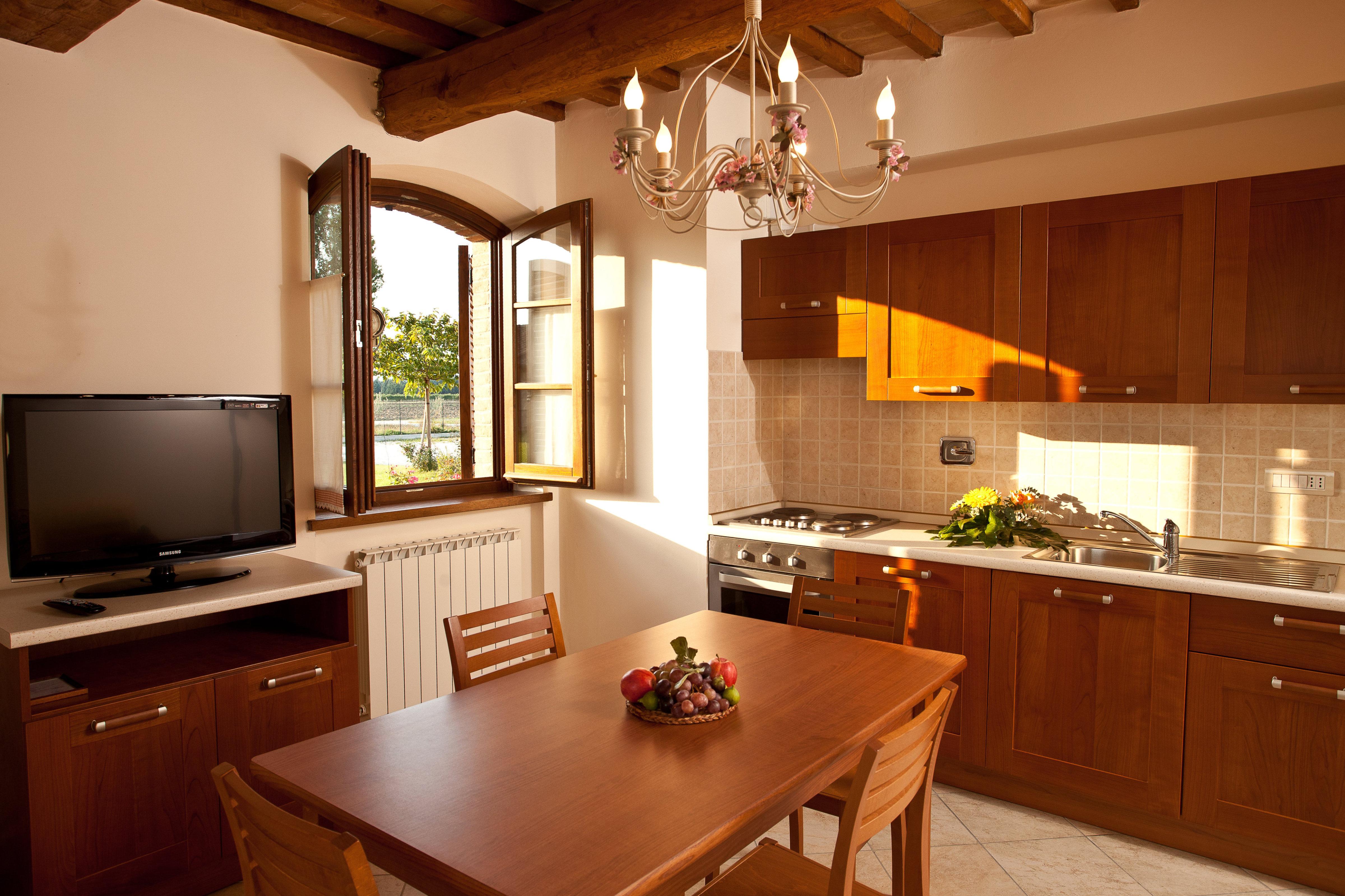 Agriturismo assisi appartamenti appartamento 4 5 persone for Appartamenti assisi
