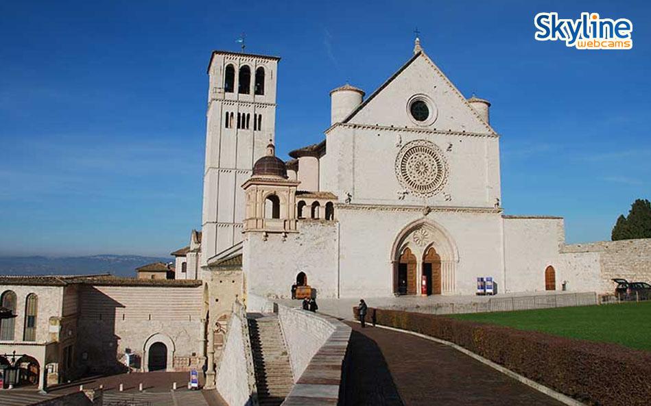 assisi-basilica-san-francesco-giorno